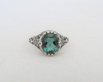 Vintage Sterling Silver Emerald Filigree Ring Size 9