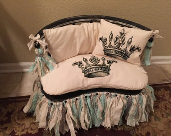 Fancy-Parisian-Sophisticated-Charming-Cute-Dog/Cat-Wood & Fabric-Crown-Turquoise/Black/Cream Pet Bed