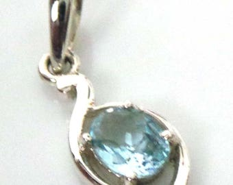 2.71 Grm Solid 925 Sterling Silver Blue Topaz Oval  Shape Stone Small Pendant Jewelry For Women