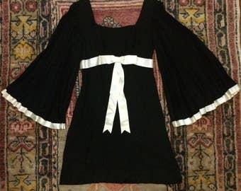 Black and White Pleated Angel Sleeve 70's Mini Dress