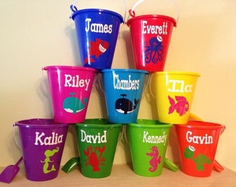 Personalized sand bucket