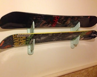 """SNOWBOARD***  SKI ***LONGBOARD***Wall Holders """"Lonely Mountains"""" *** Display 3***Choice of 3 finition"""
