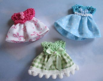 Dresses miniature Set of 3 scale 1:12
