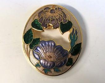 A Lovely Vintage Gold Tone and Enamel Flower Brooch - Signed Sea Gems UK