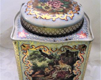 Daher Designer Tin Renaissance English Tin Box Courting Couple French Scene Vanity Dresser Adornment Trinket Box Gift Made in England