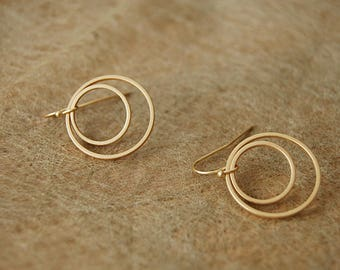Earrings circles matt gold