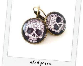black and white • skull earrings cabochon • bronze