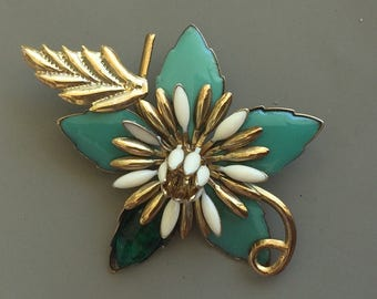 Unique Vintage Flower Brooch.