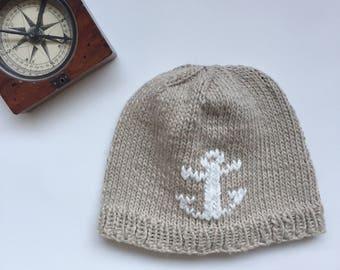 Knitted baby hat with anchor, baby boy baby girl hat, beige white baby hat, newborn photo prop, nautical baby hat, newborn to 3 months