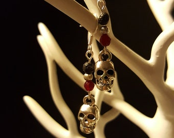 Earrings Black & Red Skulls - silver charms, beads of glass and lava - Gothic - Rock