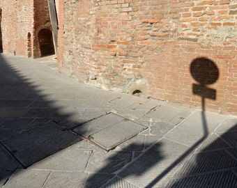 Shadow Photograph, Street sign photography, Italy, Tuscany, Light, Countryside