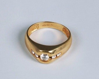 18K Yellow Gold Mens .5 ct. tw. Diamond Ring, Size 10.25