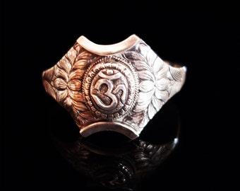 Bracelet Om Symbol, Silver