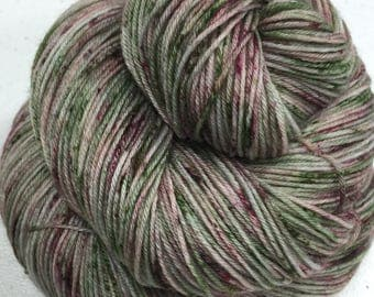 Superwash Merino (100%) Worsted Weight Yarn - Hand Painted/Speckled - approx. 218 yards -  100 grams - PEONY