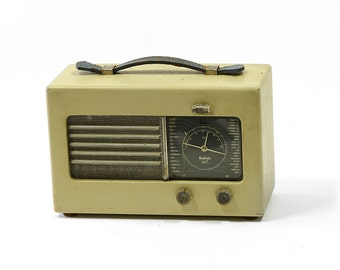 """Vintage """"Radiola"""" radio from 1940s. Not working but in good vintage cosmetic condition. Swedish manufacturer LM Ericssons radio line."""