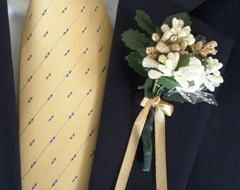 Wedding boutonniere, Groom Groomsmen boutonnieres,Prom boutonnieres.