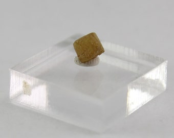 Diamond cube crystal .75 ct