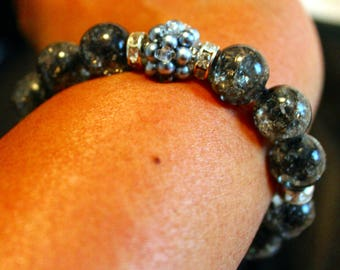 Cute grey pearl & glass-beaded shamballa bracelet; handmade, beadweaving, elegant, blackish grey