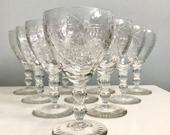 Beautiful Vintage Set of 10 Wine Glasses