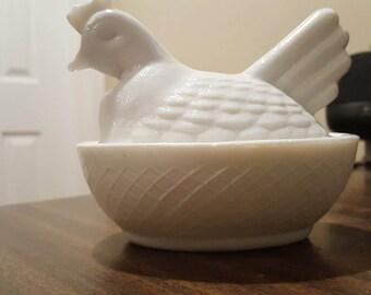Beautiful Vintage Milk White Glass Hen Dish