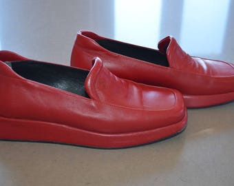 Code FOREVER15: 15% red vintage shoes!                                                                     8 - 8.5
