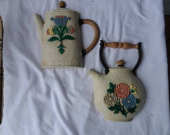 Vintage 1995 Home Interiors Coffee Pot #3311 And Tea Pot # 3309 Wall Plaques Kitchen Decor    1354