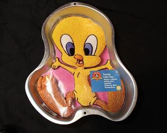 Retired Wilton Looney Tunes Tweety Cake Pan 2105-3201