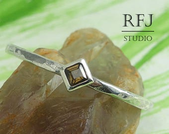 Kite Natural Smoky Quartz Hammered Silver Engagement Ring, Princess Cut 2x2 mm Smokey Quartz Ring Stackable Rhombus Setting Promise Ring