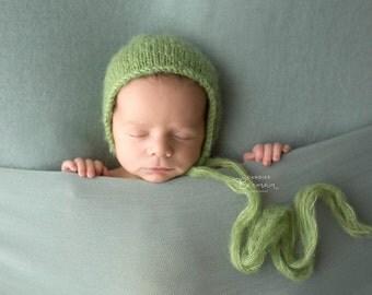 Green Bonnet / Baby Bonnet / Newborn Hat