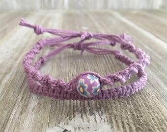 Flower bead, Purple hemp bracelet set.
