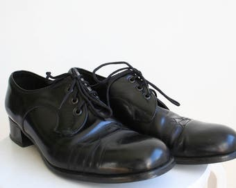 70's men black leather shoes