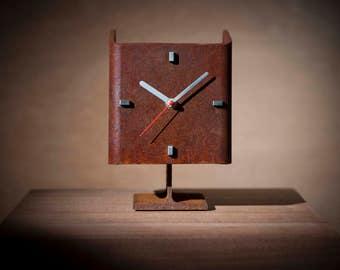Art Table Mantel Desk Clock Rust - Handmade recycled unique classic vintage retro industrial unusual present for husband boyfriend - R01-40T