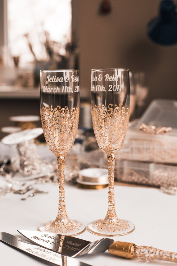 personalized wedding glasses toasting flutes gold glasses bride and