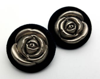 Clip On Silver Tone Plastic Roses with Black Velvet Round Stud Earrings Vintage 80s Fashion Lightweight Simple Adorned Flower