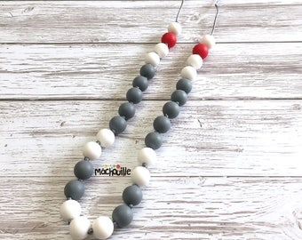 Silicone teething necklace, breastfeeding necklace, babywearing necklace, BPA-Free silicone, baby shower gift, silicone chewelry, machouille