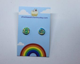 Pinwheel stud earrings