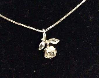Sterling Silver Rose Pendant on Box Chain