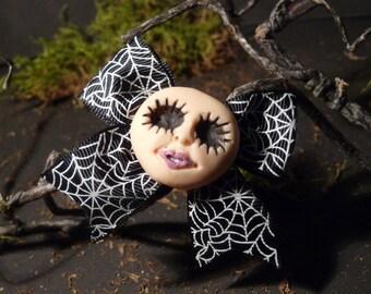 Evil Doll (loop) - hair clip