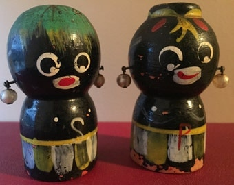 Vintage salt & pepper shakers - wood salt and pepper shakers - unique salt and pepper shakers - native salt and pepper shakers - shakers
