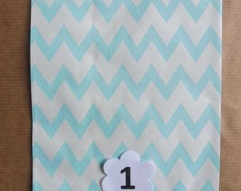 Chevron paper bags 10-piece available in 5 different colors here are listed and numbered lists