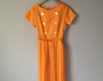 Adorable Orange 60s Cotton Day Dress   Pleated Skirt   Cateye Buttons