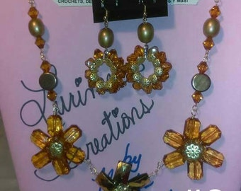 """22"""" Maple Brown- 3 Flowers Necklace Set"""