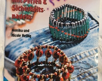Jewelry with beads and safety pins - instructions by Monika and Nicole Helbig
