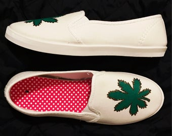 Hand Painted Shoes / Marijuana Shoes / Womens Boat Shoes / Rasta Wear / Cannabis Clothing / Pot Leaf Shoes / 420 Shoes / Slip On Shoes