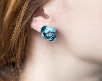 Handmade porcelain stud earrings, flower shape, green&blue, sterling silver.