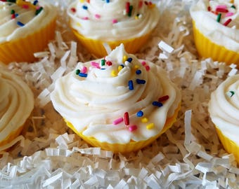 Lemon wax melt, cupcake wax tart, soy wax, vanilla, scent smash up, gifts for her, cupcake melts, candle melts, gifts for her, birthday