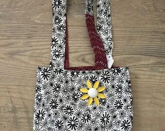 Black & White Daisy Print Bag-small