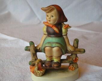 Vintage Hummel Just Resting-Goebel M I Hummel figurine-112 3/0