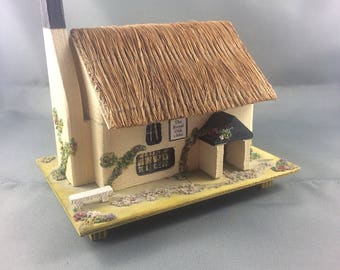 Vintage Pauline Ralph Wind Up Music Box Thatch Roof Cottage
