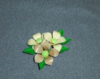 Vintage Flower Brooch/Pin Enamel 1950s 1960s